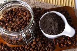 Spent coffee grounds aren't worthless! Check out these 5 uses!
