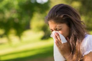 girl with seasonal allergies
