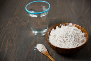 diatomaceous-earth-and-water