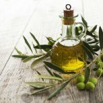 8 Amazing Benefits of Olive Oil