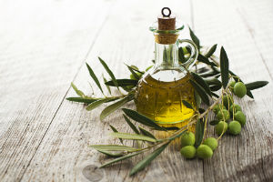 olive-oil-in-glass-bottle