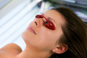 woman-tanning