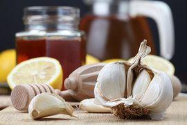 Ingredients for garlic tea