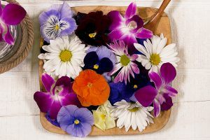 Health Benefits of Eating Edible Flowers