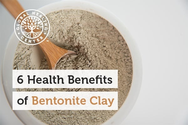 A bowl of bentonite clay