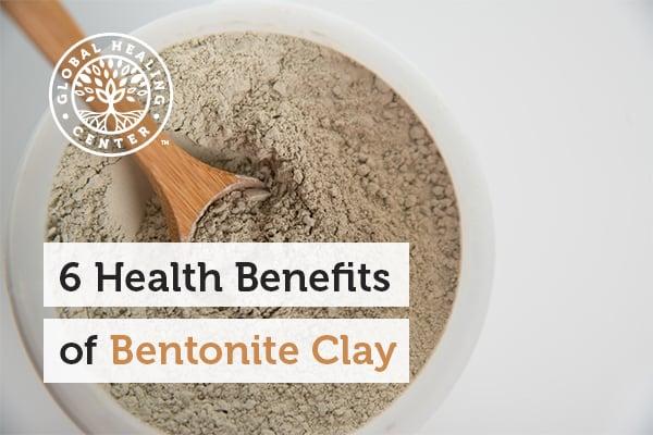 A bowl of bentonite clay