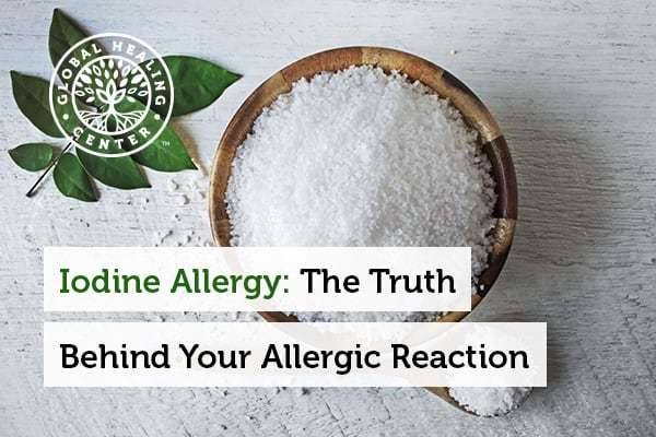 A bowl of salt. Iodine is not the cause of allergic reactions in iodine-rich foods.