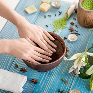 Brittle Nails: Top Causes & Natural Remedies That Work